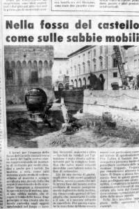 Ritaglio di quotidiano del 1983 durante i lavori nel fossato del Castello Estense