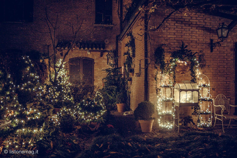 Nel giardino di natale pi fotografato di ferrara - Addobbi natalizi da giardino ...