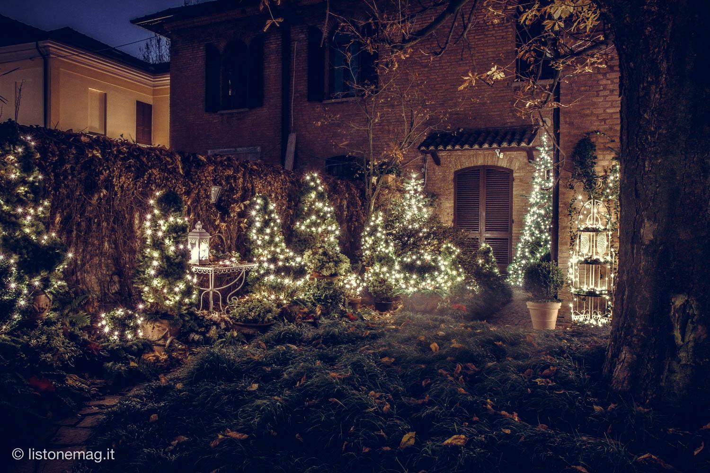 Addobbi Natalizi Giardino.Nel Giardino Di Natale Piu Fotografato Di Ferrara Listone Mag